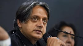 Politics: Shashi Tharoor pulls auto rickshaw to protest fuel price hike