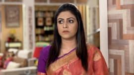 Watch all episodes of (Nakshi Kantha Season 1) online in Full HD | ZEE5