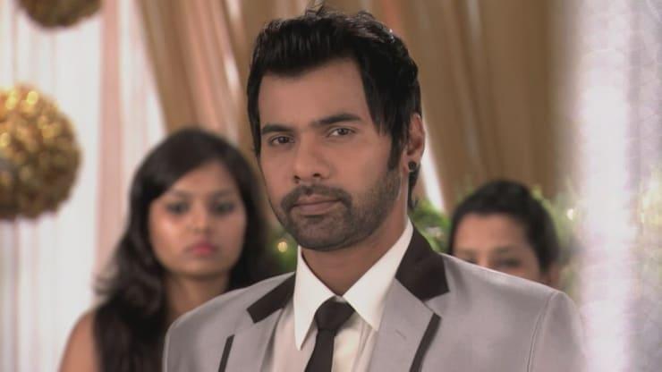 Pranav saves Bulbul - Sindhooram
