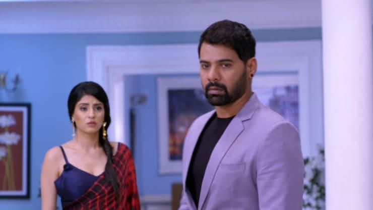 Abhi furious with Rhea - Kumkum Bhagya